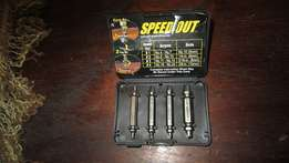 Like New Speedout Damaged Screw Exctractor - 4 Bolts and Instruction M