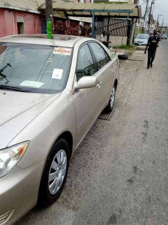This Toyota Camry 2005 is for sale Surulere - image 4