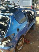 Peugeot 206 selling for spares