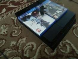 Playstation4 with three cds and fifa 16 and 17 digital game 35,000