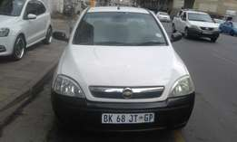 Chevrolet corsa bakkie 1.4 white in color 2011 model 87000km R88000