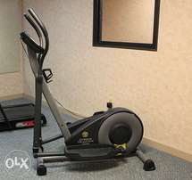 EXUS Gold's Gym Stride Trainer 300 Elliptical in Great Condition