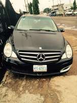 Super clean Nigeria used Mercedes Benz R500, 2007 model.