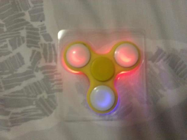 Fidget spinners for sale Summerstrand - image 3