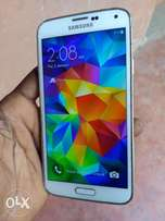 Samsung Galaxy S5... Clean