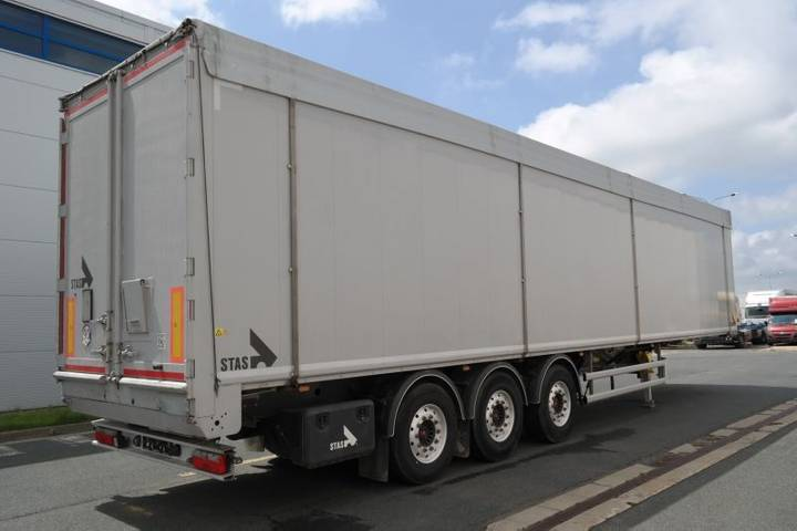 Floor S300CX walking  83m3 closed box truck - 2016