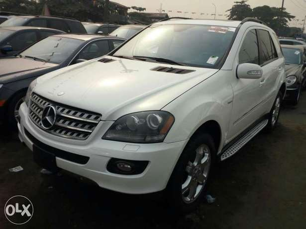 Very clean foreign used 2008 Mercedes-Benz Ml350 4matic. Negotiable Apapa - image 2