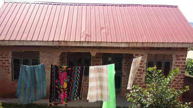 2bedrooms 1bathrooms kitchen plot 60 by 40 40ft House for sale in Kampala - image 1