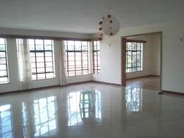 4 Bed Deluxe and Spacious Apartment + Sq