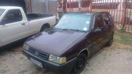 Fiat Uno Mia 1.1 hatch 4 doors R19 999 not neg