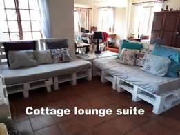 Cottage lounge suite