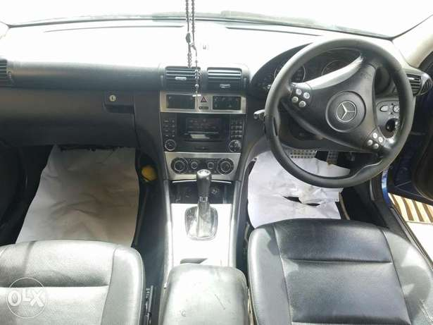 Mercedes Benz C 240 in good condition. Buy and drive Embakasi - image 5