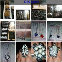 Rings or hand chains or necklaces R30 each