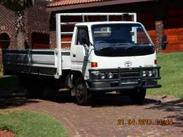 Toyota Dyna Dropsides (immaculate)