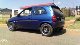 opel corsa , 1.4 is , with 15 inch rims, 38000 or swop