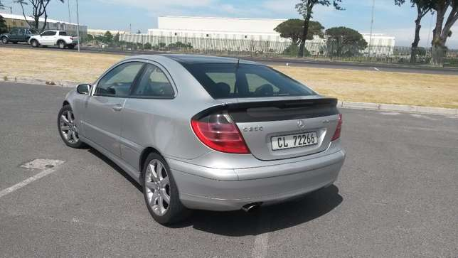 2003 C230 Mercedes Benz Coupe Kuils River - image 2