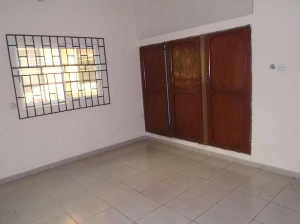 A well finished 2 bedroom bungalow at Eliowhani farm road by Deliosa h Port-Harcourt - image 5