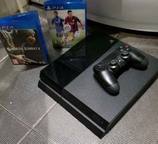 Like new PlayStation 4, 1TB/ 1000gb slimline with 5 original games.. Edenvale - image 1
