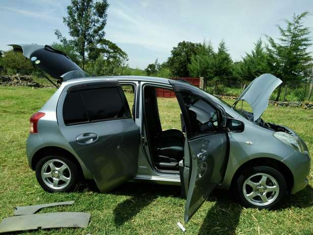 A clean buy and drive vitz Kericho Town - image 4