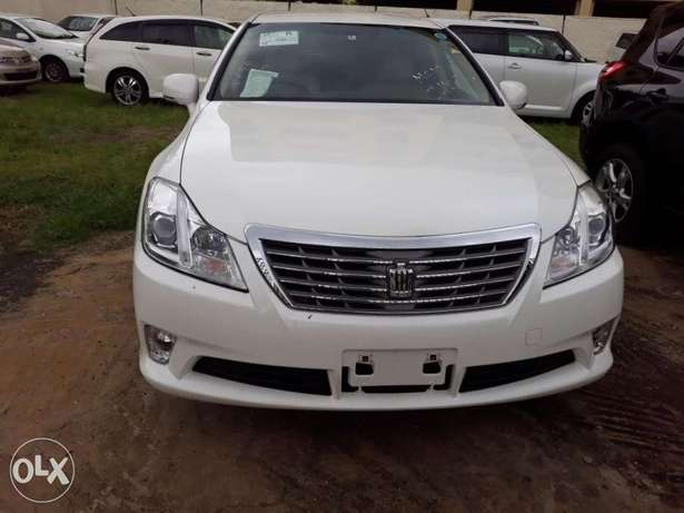 Toyota crown royal saloon fresh import new plate number Mombasa Island - image 1