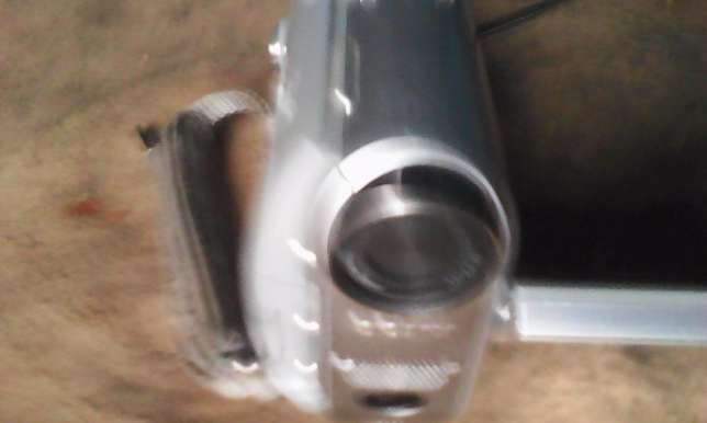 HD camcorder for sale,Good quality for TV,,records tapes and sd Nairobi West - image 2