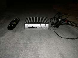 Dstv decoder for sale 100% working condition and remote includet.