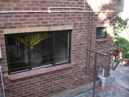 Immaculate 1 Bed unit -Queensburgh Moseley Park - Immediate Occupation