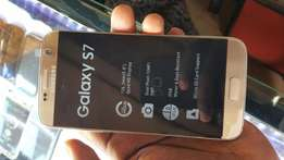 Brand new boxed Samsung Galaxy s7