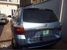 Registered blue Toyota Highlander 2008