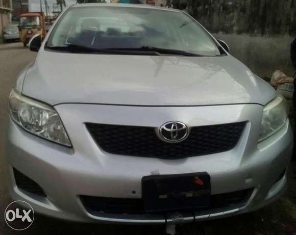 DIRECT TOKUMBOR Tincan cleared Toyota Corolla at give away price Yaba - image 1