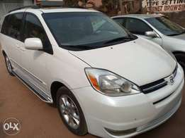 Chalk White 2004 Toyota Sienna Tokunbo with unique options