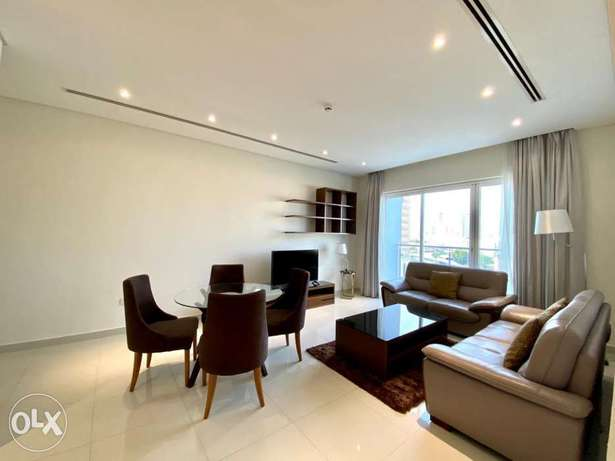 Spacious! Modern 3 bed apartment with balcony+all inclusive+pools+gym