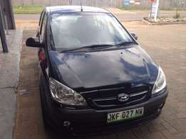 Hyundai Getz 1.6 2008 model black in color 87000km