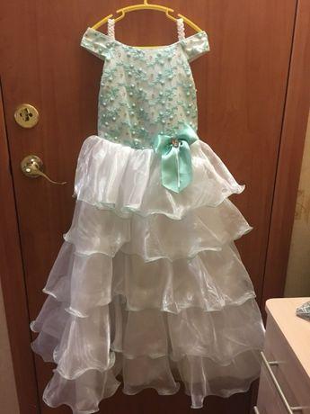 Продам детское платье  300 грн. - Одяг для дівчаток Херсон на Olx 4ea5914fa6e49