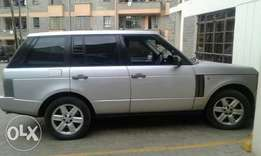 RangeRover vogue 2004 model with sunroof 4400cc petrol 2.2m