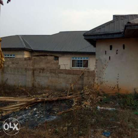 A 5bedroom bungalow,with pop on a 50ft by 100ft for sale Moudi - image 4