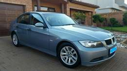 BMW E90 320D Exclusive (Auto) Excellent Condition with Sunroof!