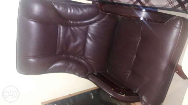 Exexutive office chair Kasarani - image 4
