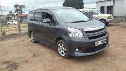 A very clean toyota valvematic noah for sale