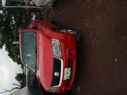 Suzuki Vitara metallic red