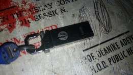 A month used 16gig Hp flash drive