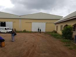TO LET Warehouse of about 1000sqm with ample parking spaces in a good