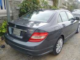 Tokunbo 2008 Mercedes-Benz C300 4Matic Panoramic (Full Option).