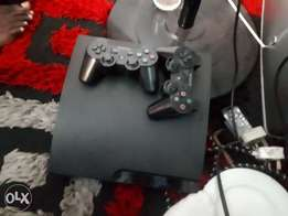 Chipped Play station 3 Slim 12games on Hdd 2 original controllers