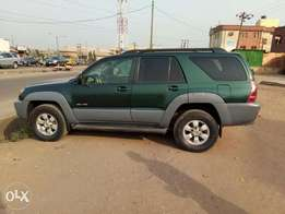 A first body and neatly used 2004 Toyota 4runner, fabrics, v6, cd, ac.