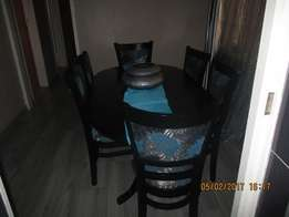 Six seater dining room suit