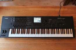 Just arrived Yamaha motif xf7 Keyboard. Brand new from Yamaha