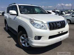 Toyota Prado with sunroof and leather seats