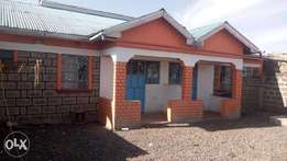 4 bedroom bungalow house at Mwihoko with ready title deed