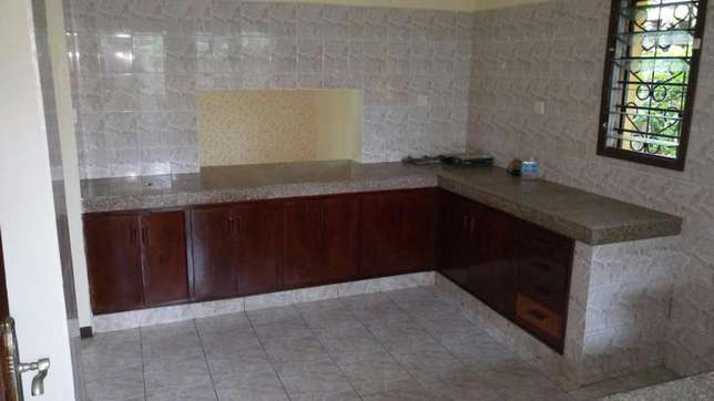 Beautiful 3 bedroom house on own compound asking 55,000/=ksh Nyali - image 2